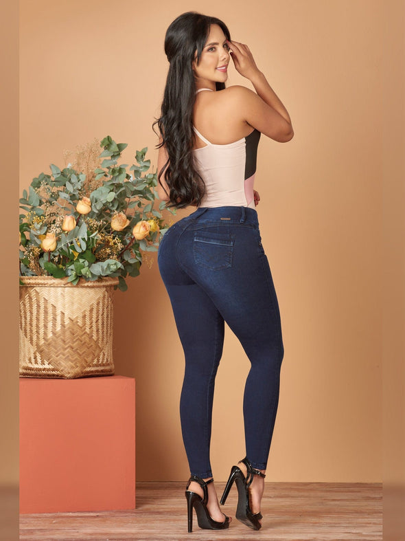 butt lift colombian jeans skinny black heels and pink bodysuit