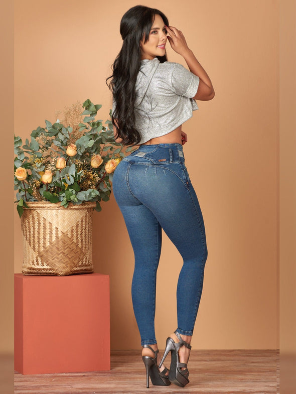 back view colombian butt lift skinny jeans with crop top and high heels