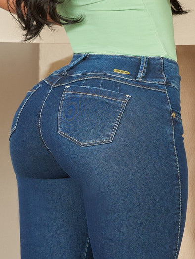up close view butt lift colombian jeans with wide set pockets