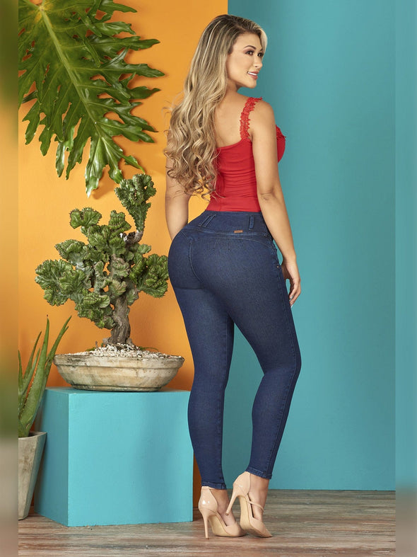 colombian woman butt lift skinny jeans nude high rheels with red top