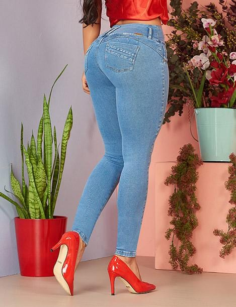 back view of colombian butt lift jeans light blue with red high heels