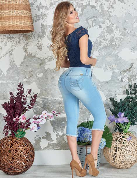 """Bestie"" Push up Capri Jeans Levanta Cola 10841"