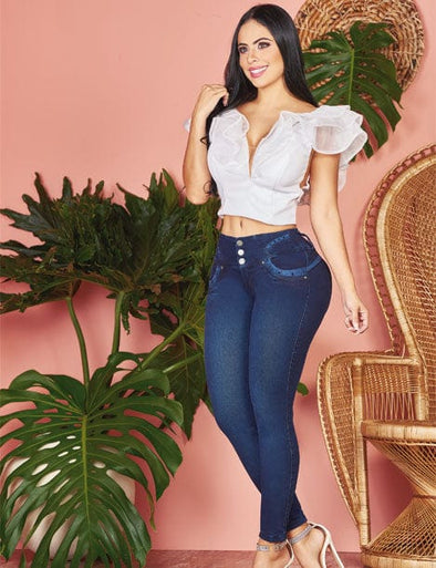 butt lift jeans with blue details and white crop top with fluff shoulders