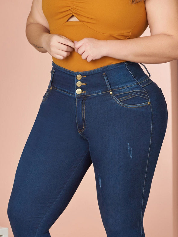 plus size woman wearing colombian butt lift jeans