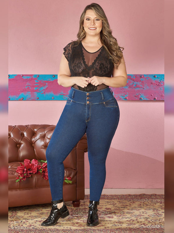 plus size colombian model earing skinny butt lift jeans three buttons