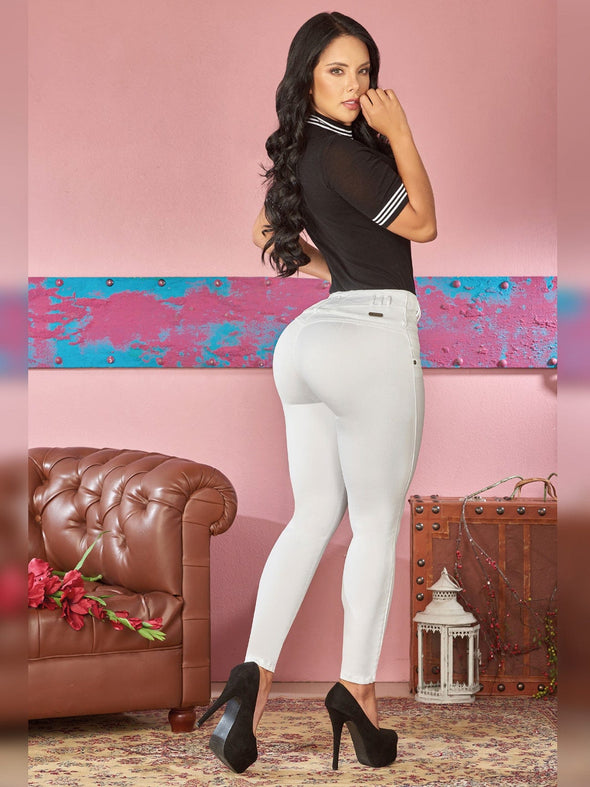 back view butt lift colombian skinny jeans black cop top black heels