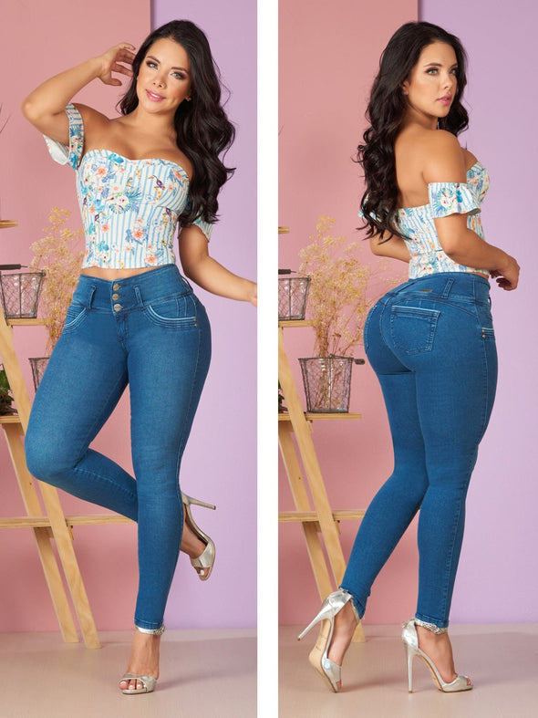 colombian woman wearing butt lift jeans blue with white and blue floral crop top