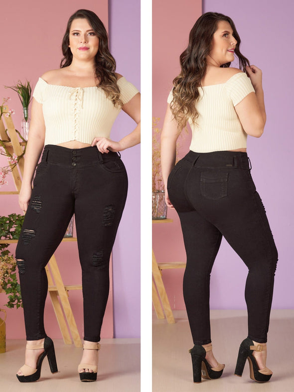 plus size colombian model butt lift jeans and white top black heels