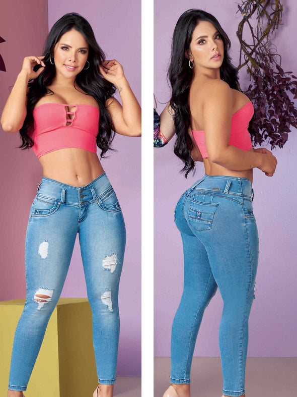 beautiful latina woman wearing butt lift jeans high waist light blue pink crop top