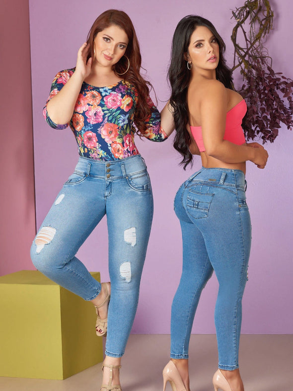 colombian girls photography model light blue jeans butt lift