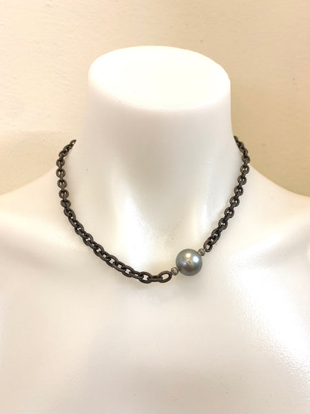 SINGLE TAHITIAN PEARL NECKLACE WITH TWO WHITE GOLD DIAMOND BEADS