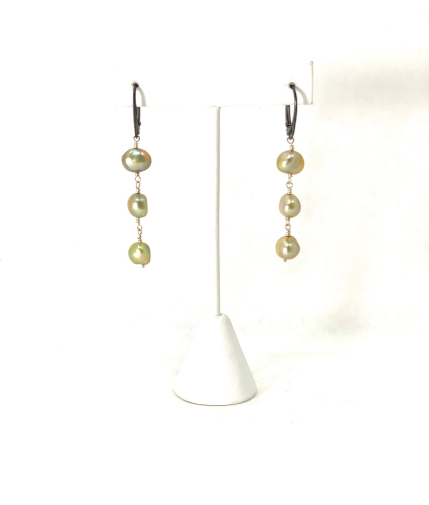 METALLIC GOLD WINTERGREEN TRIPLE PEARL EARRINGS