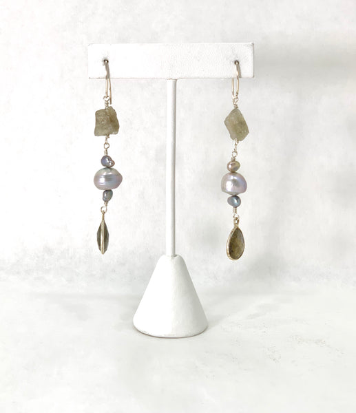 METALLIC GREY PEARL AND LABRADORITE EARRINGS