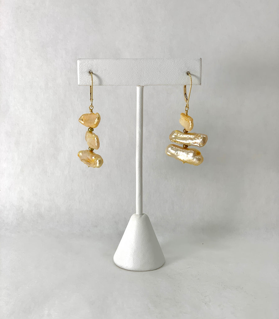 HARVEST GOLD SEED STICK PEARL EARRINGS