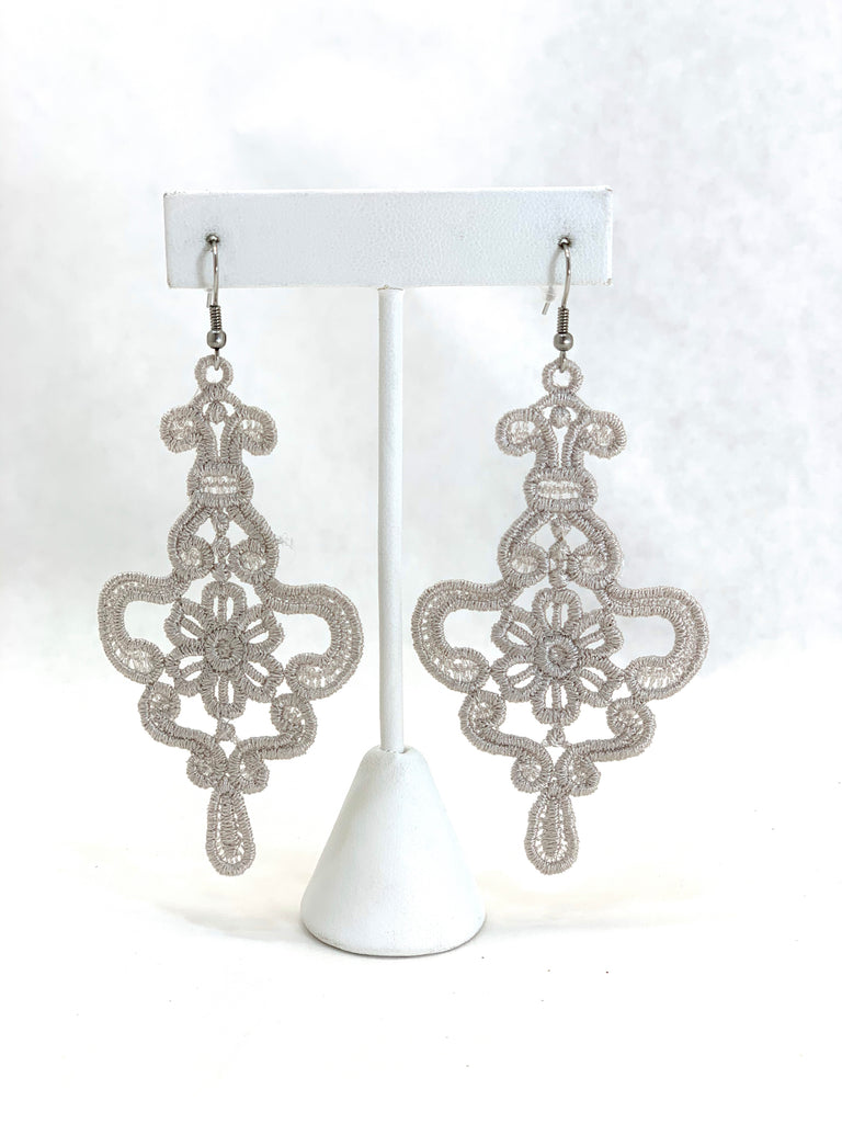MADAME NADINE GREY PETITE EARRINGS