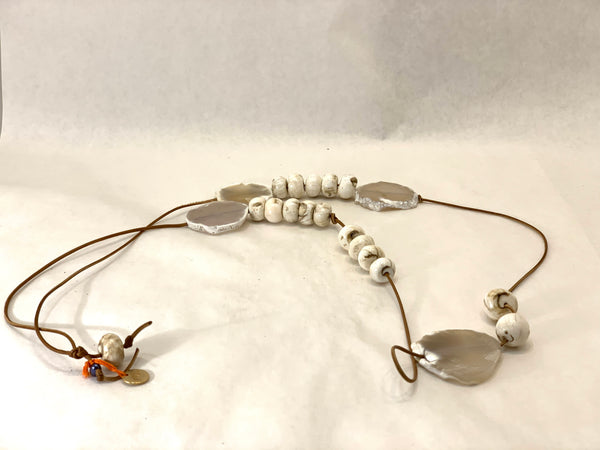 LONG AGATE SLICE NECKLACE WITH NEPAL SHELL BEADS