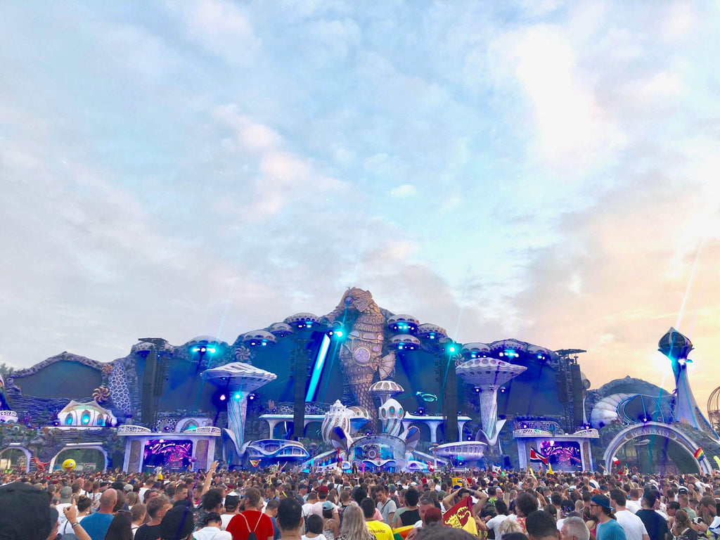 Tomorrowland 2019: Planning Your Outfits & More