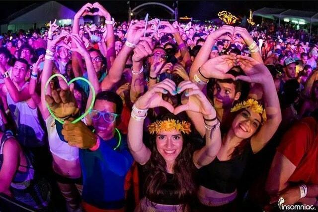 AWESOME WAYS TO SPREAD PLUR THIS HOLIDAY SEASON