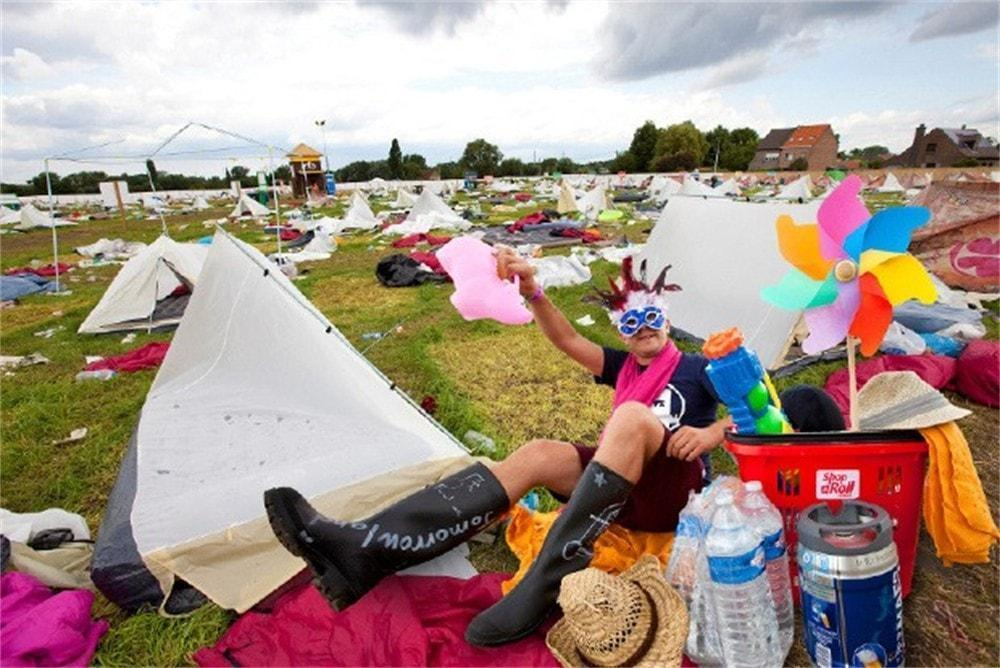 BROKEN DREAMSVILLE: PLUR LESSONS LEARNED IN THE MUD