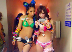 rave girls taking inspiration from each others outfits