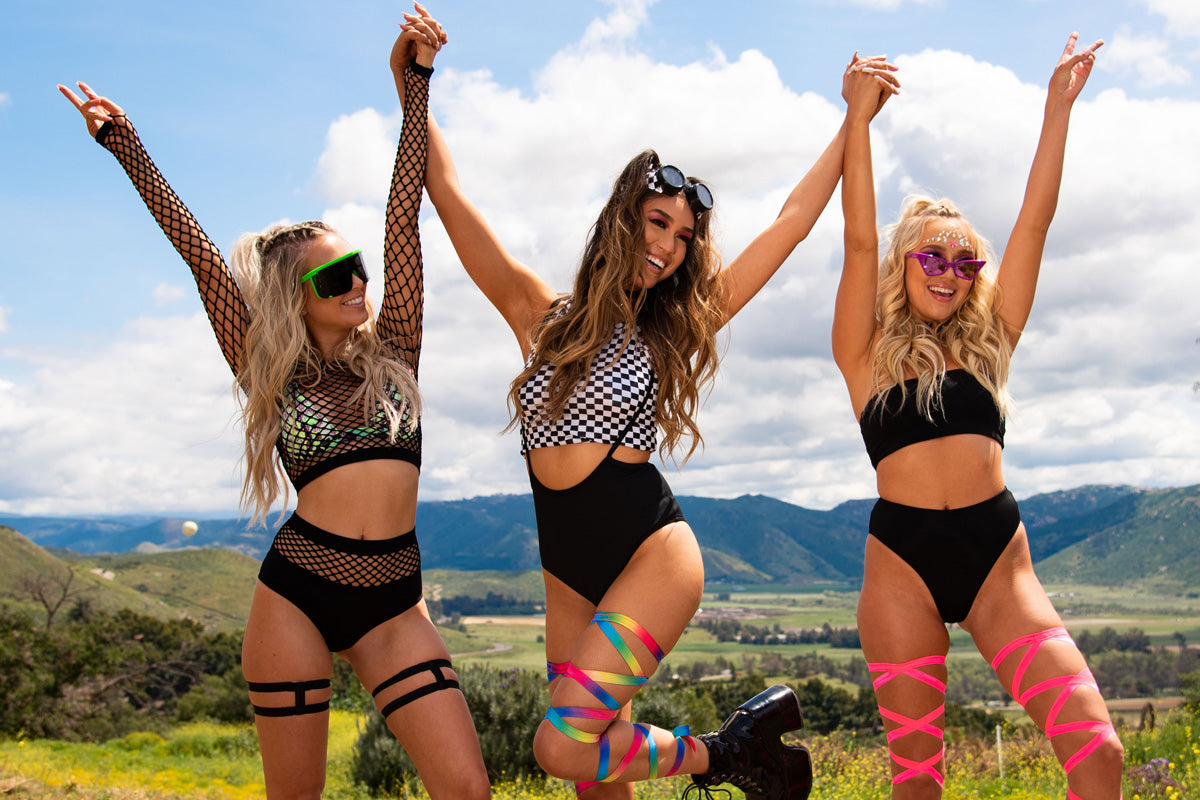 girls wearing cute rave outfits