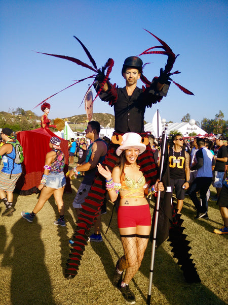 rave girl with insomniac performer at nocturnal wonderland