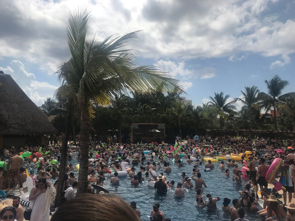 Pool Party at Dejavoom