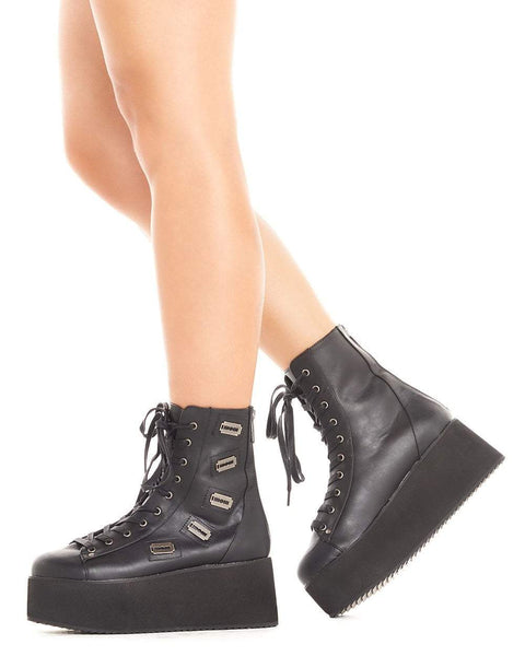 Tips for Wearing Platforms Shoes to a
