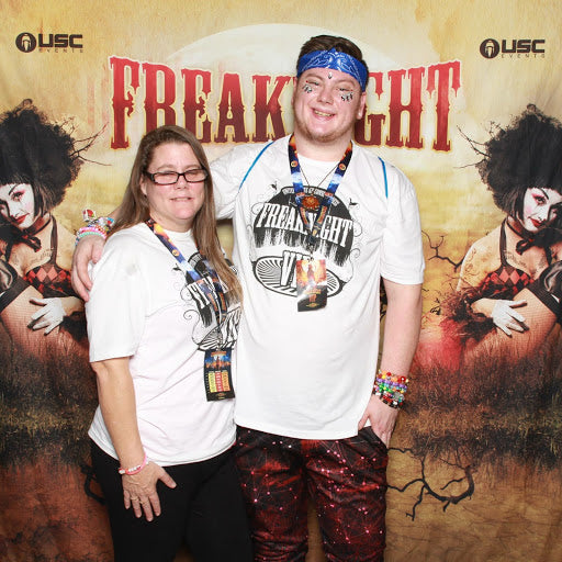 Freaknight Photobooth and Twinning in VIP Freaknight shirts