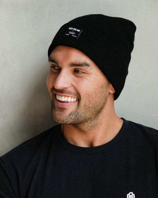 Men's Essential Beanie-Black-Lifestyle