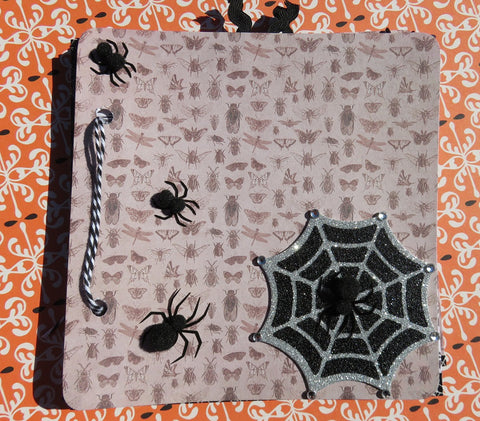 Halloween mini album - Creepy Crawly