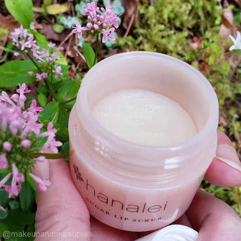 Help To Cure Dry Chapped Lips with Exfoliating and Moisturizing Sugar Lip Scrub