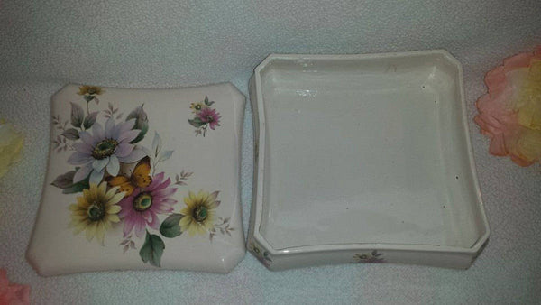 Vintage Wild Flowers and Butterfly Dresser Box
