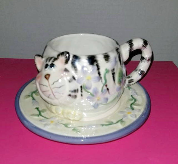 Lusterware Kilban Cat Tea Cup and Saucer