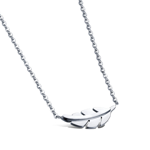 Japanese and Korean simple titanium steel necklace female clavicle chain Short leaf pendant all-match decoration fashion True color style