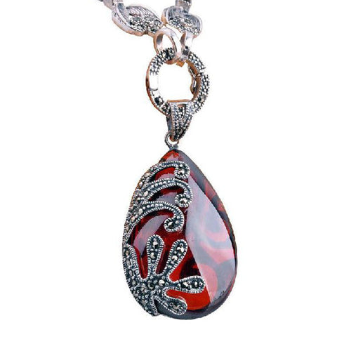 Elegant Garnet Gemstone Crystal Necklace Made of Thai Silver Jewelry for Women