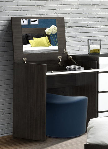 Allure Vanity - Mirror & Intergrated Storage Space - Harvey & Haley