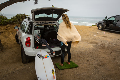 Gifts for surfers. Surf Surfer grass mat. Keep toes warm post surf session.