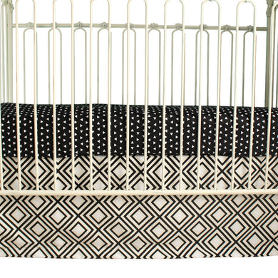 Black Triangles | Black and White Baby Bedding