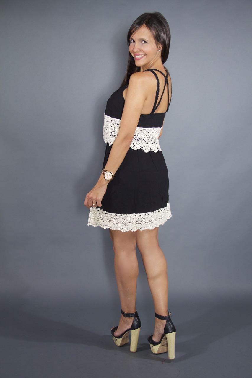 BLACK SHORT WHITE LACE DRESS