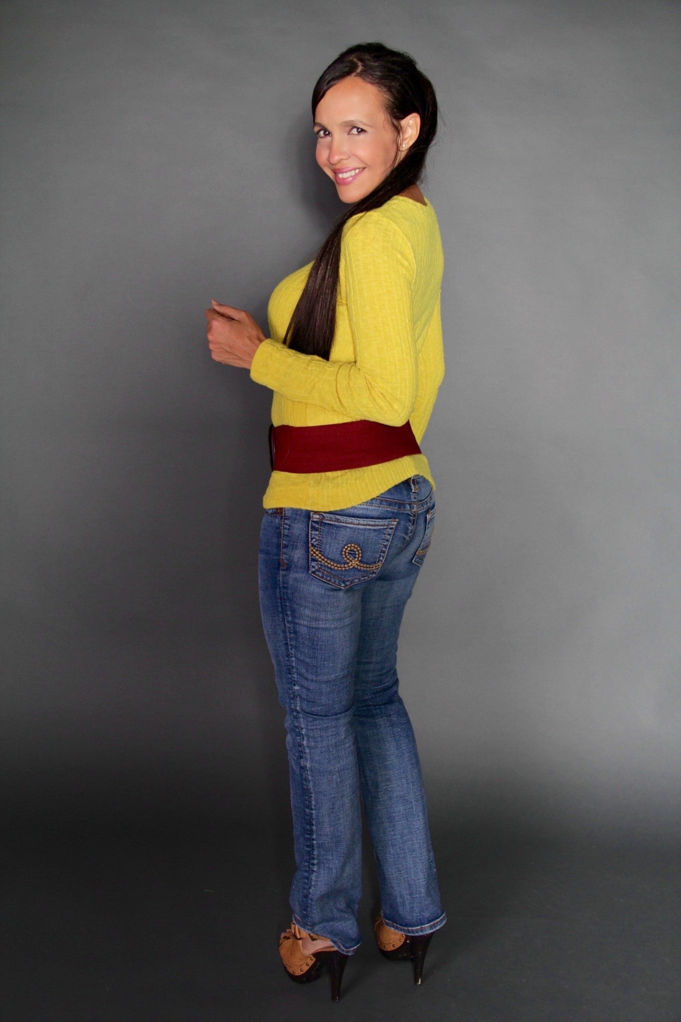 YELLOW CANN SWEATER