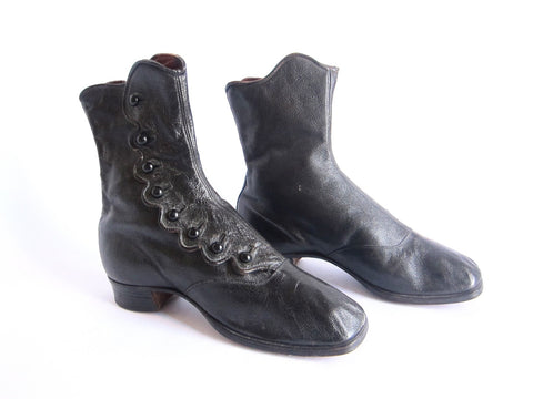 Victorian Black Leather Womens Button Boots - Size 7 / 7.5 - Yesteryear Essentials  - 1