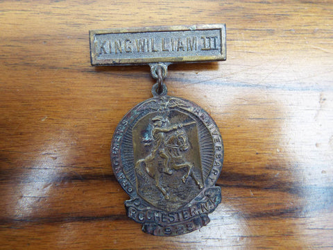 Vintage Religious Orange King William III Medal 1925 Pinback Rochester Baction