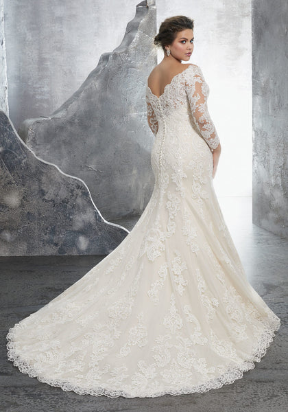 #C3240 - Concepcion Bridal & Quinceañera Boutique