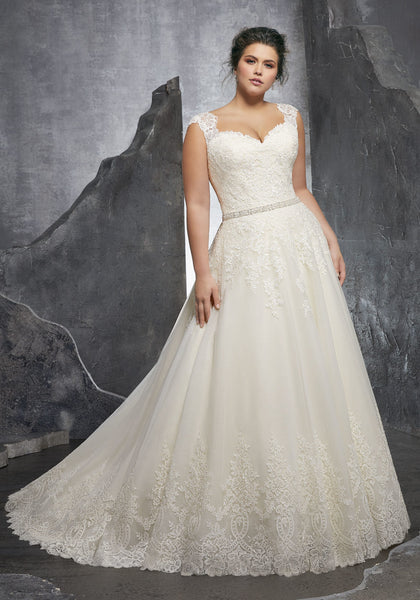 #C3241 - Concepcion Bridal & Quinceañera Boutique
