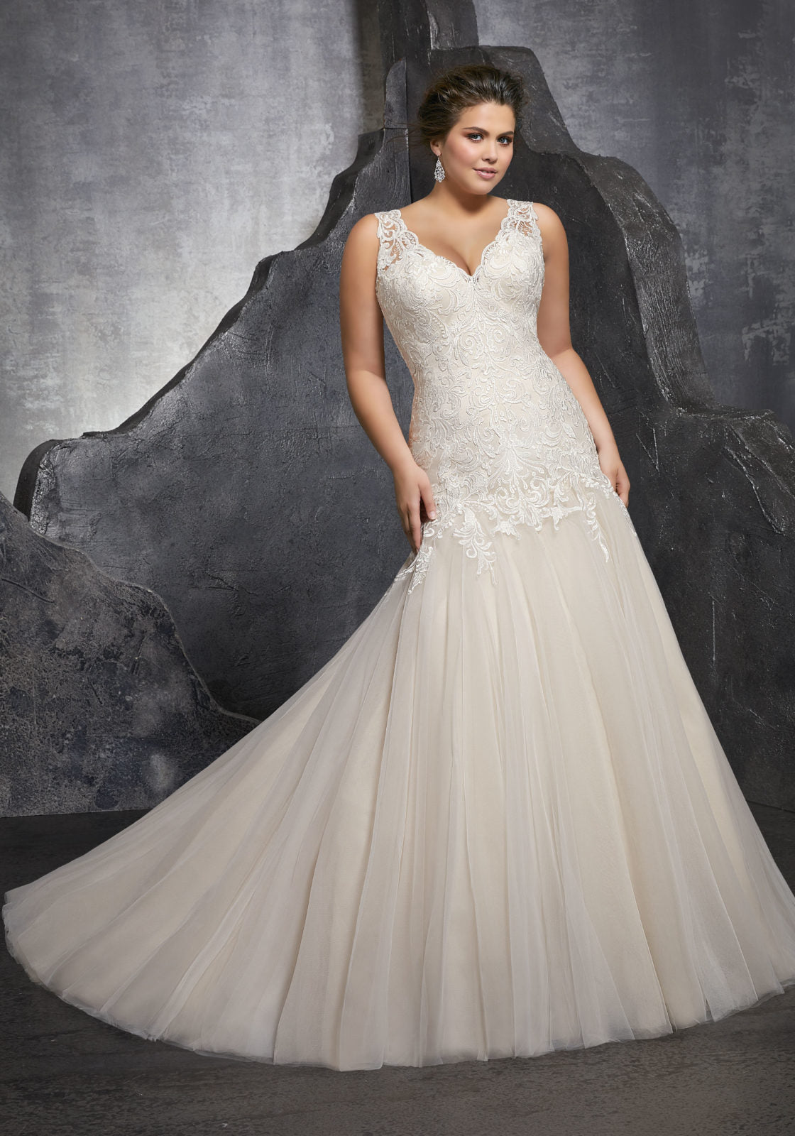 #0612 - Concepcion Bridal & Quinceañera Boutique