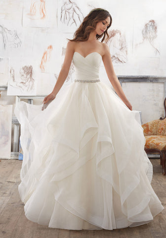 #5504 - Concepcion Bridal & Quinceañera Boutique