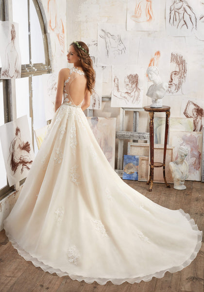#5510 - Concepcion Bridal & Quinceañera Boutique
