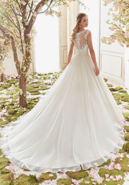 #C6012 - Concepcion Bridal & Quinceañera Boutique