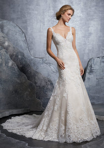 #C8232 - Concepcion Bridal & Quinceañera Boutique